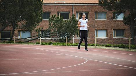 Urheiluliitossa ollaan toiveikkaita kauden aloittamisesta. Kuvassa Nooralotta Nezirin harjoittelua kuluvalta keväältä.