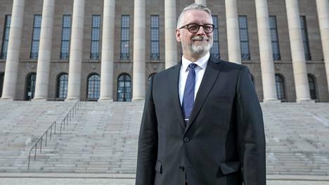 """""""Olemme lainsäädännöllisesti maalanneet itsemme nurkkaan niin, että se on vienyt työkalut toimia, asettaa rajoittaa ja antaa rakkautta"""", sanoo kokoomuksen kansanedustaja Marko Kilpi."""