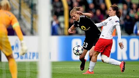 Tähän on tultu. Saksalais- (FFC Frankfurt) ja ranskalaisjätit (PSG) ottavat yhteen naisten Mestarien liigan loppuottelussa. Kuva toukokuulta.