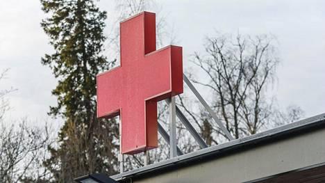 Arkistokuvassa Vaasan keskussairaalan ensiavun valokyltti.