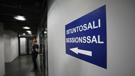 Vangitsemisoikeudenkäynnit pidetään Pasilan poliisitalolla Helsingissä.