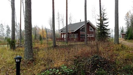 Suuren pietarilaisen rakennusliikkeen omistamassa lomakylässä Ruokolahdella on syksyllä hiljaista.