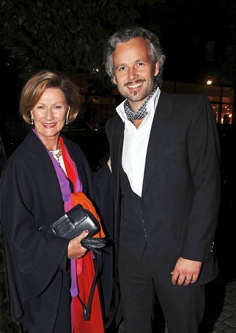 Kuningatar Sonjan ja Ari Behnin välit olivat läheiset.