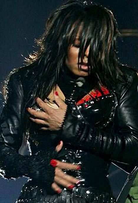 Laulaja Janet Jacksonin kohuttu rinnanvilautus vuoden 2004 Super Bowl -ottelussa on jälleen oikeudessa.
