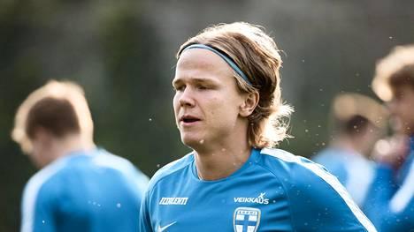 Täydellinen debyytti Puolan liigassa – Petteri Forsell pamautti upean voittomaalin lisäajalla