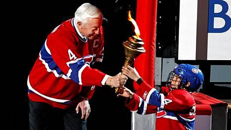 Soihtu on ollut Canadiensin symboli 1950-luvulta saakka. NHL:n vuoden 2011 pudotuspeleissä Jean Beliveau ojensi soihdun nuorelle montrealilaiskiekkoilijalle.