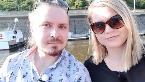 Katja ja Olli ovat molemmat Lahdesta. Heitä yhdistää älykkyys, analyyttisyys ja rauhallisuus.