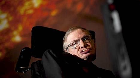 Kosmologi Stephen Hawking on ALS-taudin vuoksi liikuntakyvytön. Hän puhuu puhesynterisaattorin avulla. Winnipeg Free Pressille hän antoi haastattelun sähköpostitse.