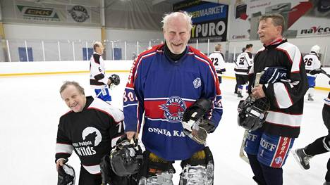 Kalevi Tuulenmäki, 84, nauttii yhä urheilusta täysin siemauksin.