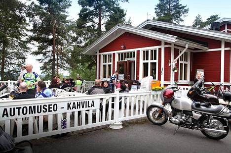 Vehoniemen Automuseon kahvila Vehoniemen harjulla Kangasalla.