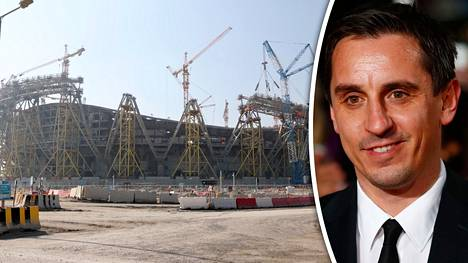 Gary Neville vaihtoi pelaajauransa jälkeen tv-töihin. Vasemmalla Lusail-stadion Dohassa.