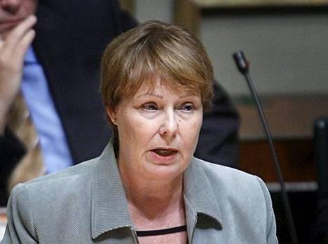 Annika Lapintie paljasti Turun Sanomien yleisönosastokirjoituksessaan, että prosenttilasku on hänelle haastavaa.