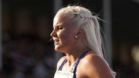 Hertta Heikkinen oli naisten 7-ottelun toinen siskonsa Jutan jälkeen Kalevan kisoissa.