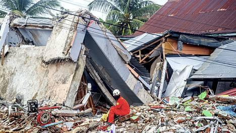 Järistyksen keskus sijaitsi Mamujun kaupungin eteläpuolella Länsi-Sulawesin maakunnassa.