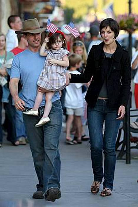 Onnellista perhe-elämää Suri-tyttärensä ja vaimonsa Katie Holmesin kanssa viettävä Tom Cruise ei enää kelpaa nuoren yleisön toimintasankariksi.