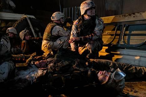 Yhdysvaltalainen 1. ratsudivisioona ajautuu väijytykseen Bagdadissa.
