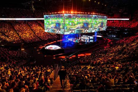 League of Legends on yksi maailman suosituimmista pc-peleistä. Se on myös maailman suurin kilpapeli.