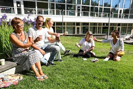 IS:n kahvitestiraatiin kuului Helena Putaansuu, Christoffer Källström, Liisi Matilainen, Henna Runtti ja Anni Urho.