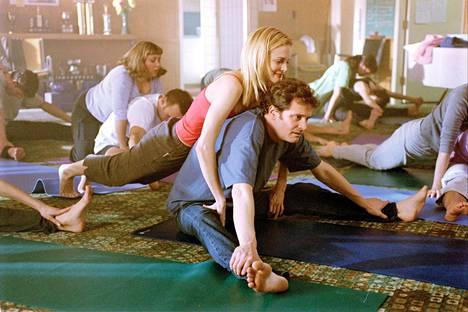 Colin Ware (Colin Firth) pakenee vanhaa suhdetta Hope Springs -nimiseen pikkukaupunkiin ja tutustuu valloittavaan Mandyyn (Heather Graham).