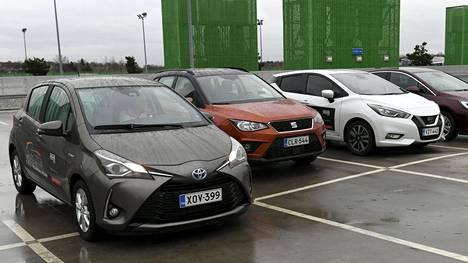 Hidasautot ovat tavallisia autoja, joiden maksiminopeus on rajoitettu.