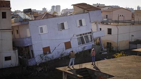 Albanian maanjäristyksessä kuoli 51 ihmistä.