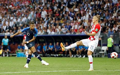 Ranskan Kylian Mbappe laukoi maalin vuoden 2018 MM-finaalissa Kroatiaa vastaan.