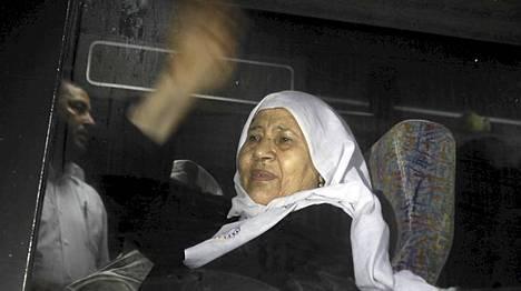 Palestiinalaisvangin äiti pääsi tapaamaan poikaansa Israeliin vuosien jälkeen.