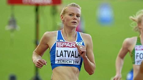 Miten käy Hanna-Maari Latvalan naisten 200 metrin juoksun finaalissa?
