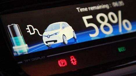 Akkujen hintojen arvioidaan laskevan peräti 77 prosenttia nykyisestä tasosta vuoteen 2030 mennessä. Se merkitsisi sähköautojen hintojen laskua.