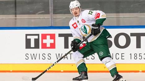 Ville Leskinen kiekkoili alkukauden ruotsalaisessa Färjestadissa.