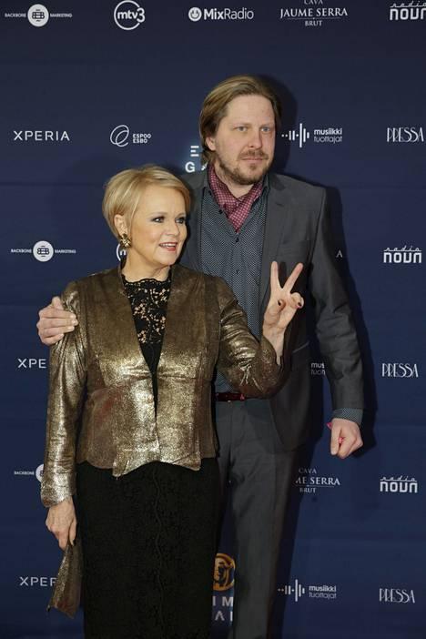 Nykyään Katri Helena seurustelee Tommi Liimataisen kanssa.