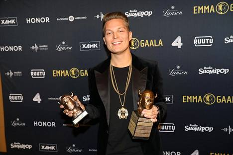 Vuonna 2019 jo eläköitynyt Cheek palkittiin Emma-gaalassa vuoden livestä ja myydyimmästä levystä.