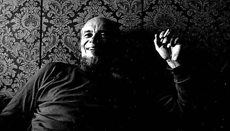 Spede Pasanen teki elämäntyönsä suomalaisten naurattajana.