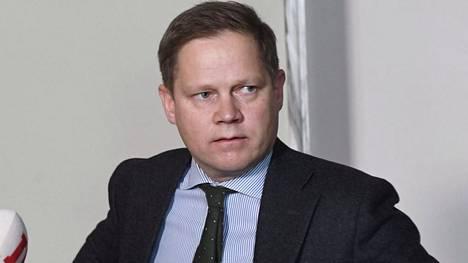 Sote-valiokunnan puheenjohtaja Markus Lohi.