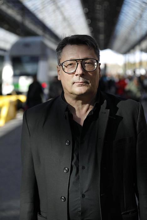 Pekka Heikkilä, kuten muutkin Kirkan kanssa työskennelleet, kutsui Kirkaa Pomoksi.