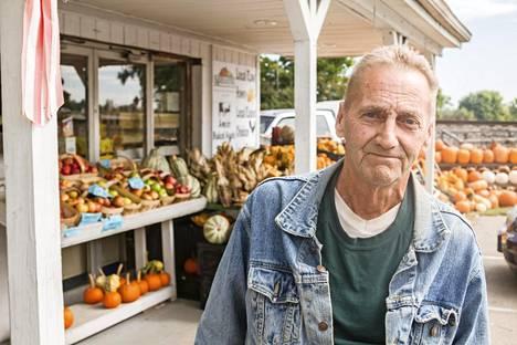 Middletownissa asuva eläkeläinen W.A. Peterson luonnehtii Trumpia slummien vuokraisännäksi.