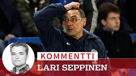 Kommentti: Maurizio Sarrin jakkara huojuu Chelseassa – Potkut olisi karmea virhe