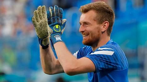 Suomen Lukas Hradecky oli tilastosivuston mukaan EM-kisojen alkulohkon selvästi paras maalivahti.