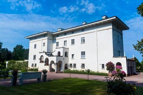Kuvassa Sollidenin linna, jossa kruununprinsessa Victoria on perheineen viettänyt usein kesäänsä.