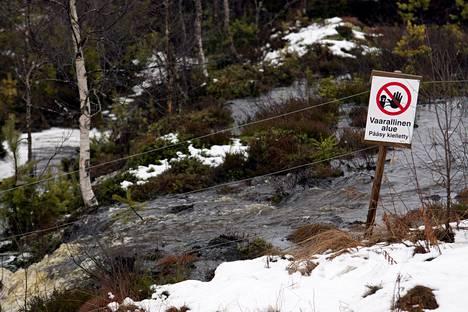 Kipsisakka-altaan vuoto marraskuussa 2012.