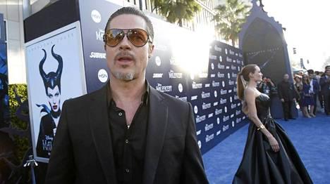 Brad Pitt ja Angelina Jolie Pahatar-leffan ensi-illassa.