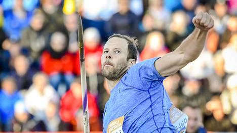 Paavo Nurmi Games on vuodesta toiseen kova yleisöveturi. Kuvassa Tero Pitkämäki heittää Turussa vuonna 2018.