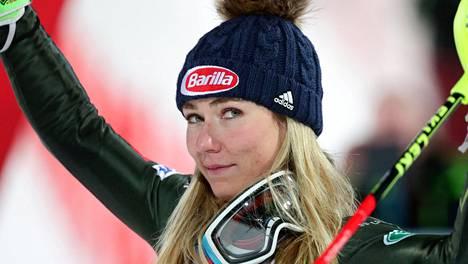 Mikaela Shiffrin tammikuussa Itävallassa. Alppihiihtäjän kevät kääntyi lopulta musertavaksi.
