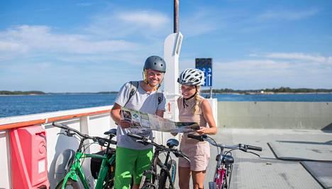Ahvenanmaa on juuri sopivan kokoinen pyörälomaa ajatellen.