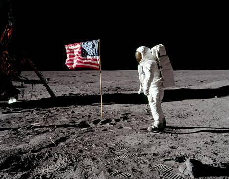 Legendaarinen kuva Kuun pinnalta vuodelta 1969, kun Apollo 11 oli juuri laskeutunut määränpäähänsä.