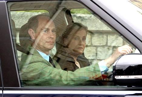 Prinssi Edwardin ja kreivitär Sophien tunnelmat olivat hyvin vakavat.