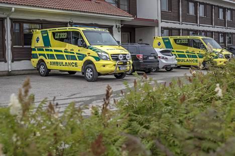 Lähes kaikissa Lapin kunnissa on oma ambulanssi ja ensihoitoyksikkö. Kuva on Ivalosta heinäkuulta 2016.