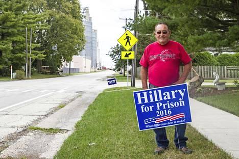 John Dedrick passittaisi Hillary Clintonin vankilaan.