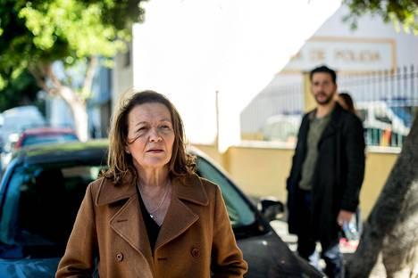 Pradise-dramasarjassa Riitta näyttelee oululaista rikosetsivää, joka saapuu Fuengirolaan selvittämään kadonneen suomalaisperheen tapausta. Yle esittää sarjan vuodenvaihteessa.