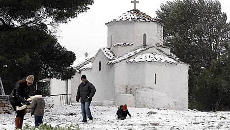 Kreikassa on saatu myös lunta